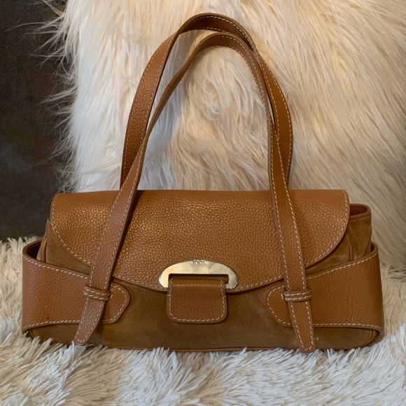 249e4ec44b Authentic Tod's medium suede and leather handbag. M_5bef9d74c89e1d4d08ddbf01